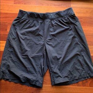 Black lulu shorts in good shape for sale!